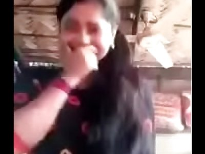 Cute Desi College Girl Shows her Nude Body Video